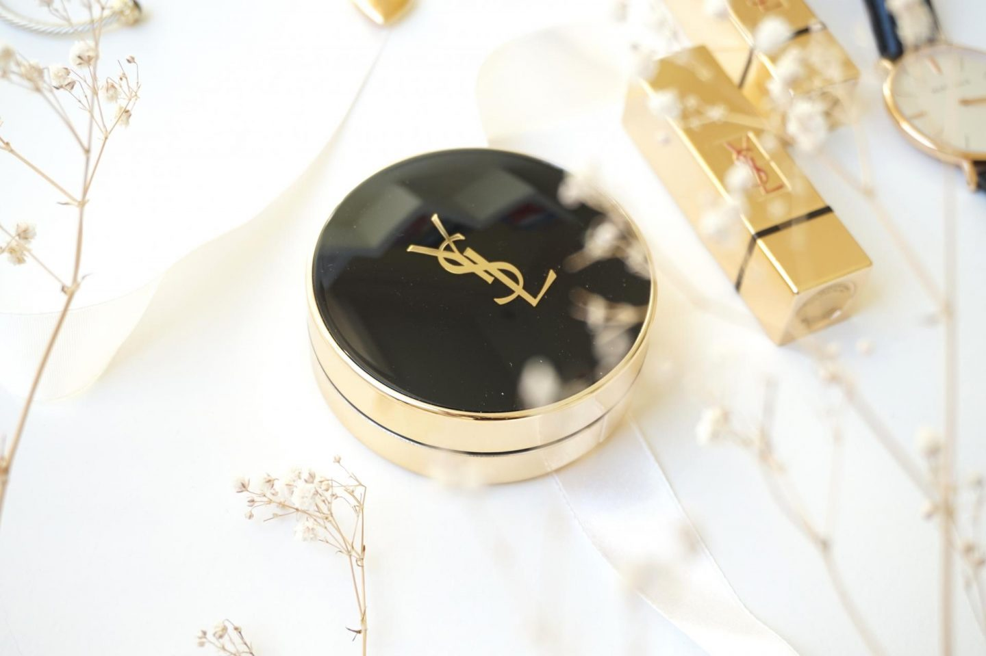 Yves Saint Laurent: Le Cushion Encre De Peau