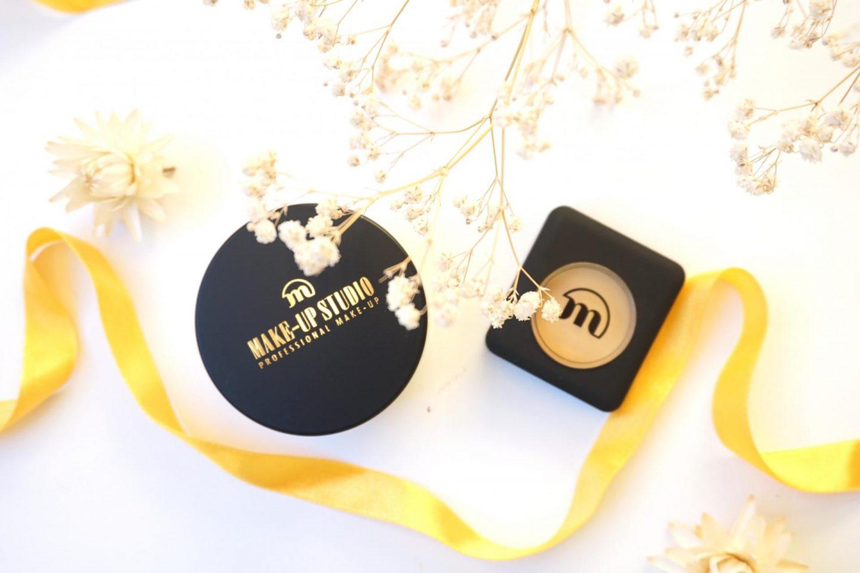 Make-Up Studio: Banana Concealer and Powder