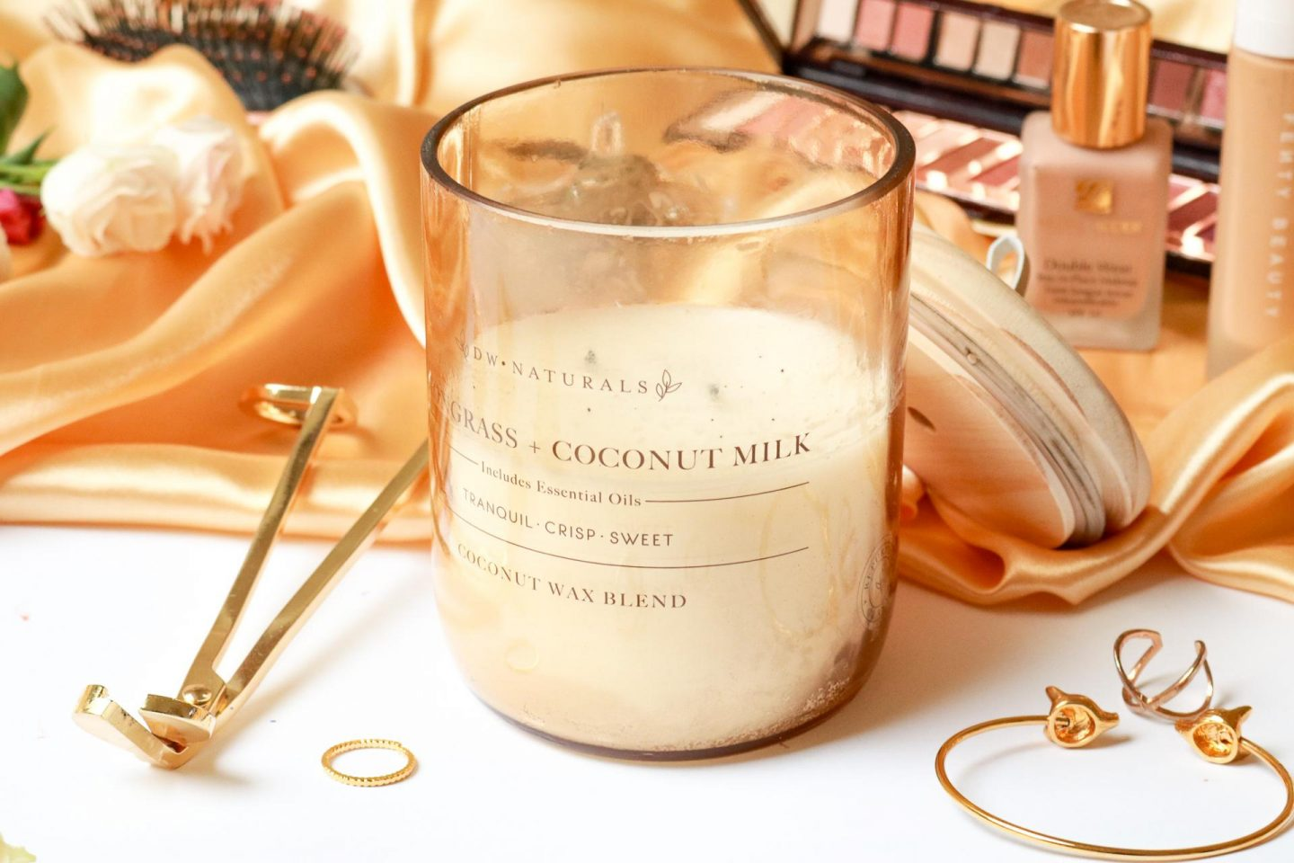DW Home lemongrass and coconut milk and wick trimmer