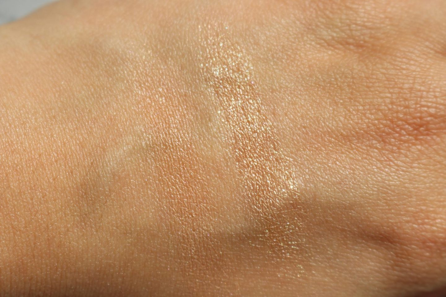 Givenchy Solar Pulse Healthy Glow Marbled Powder swatches