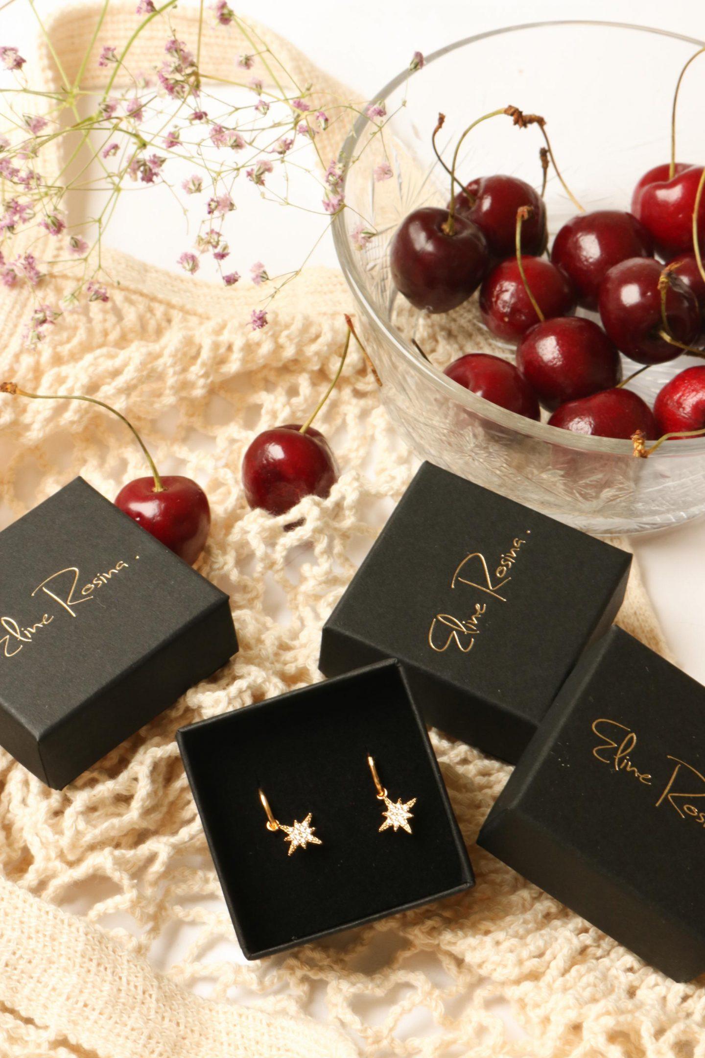 eline rosina golden earrings
